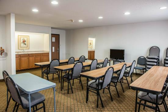 Quality Inn Columbia City: INConference