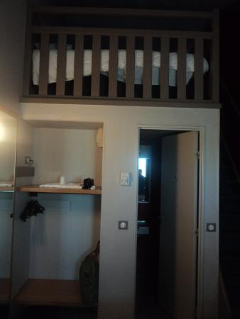 B&B Hôtel Montpellier 2 : chambre familiale mezanine
