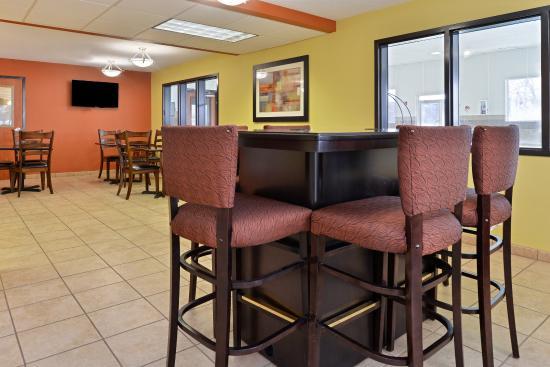 Americas Best Value Sandman Inn : Main Dining Area