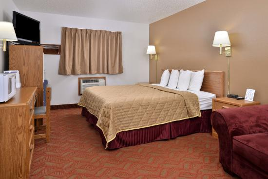 Americas Best Value Inn : One King Bed Guest Room