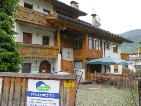 Chalet Brigitta: Front of Property
