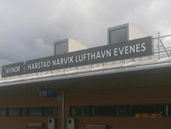 Evenes Municipality, Na Uy: Aeropuerto