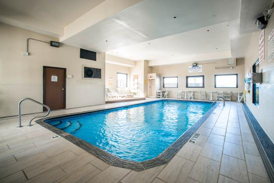 Comfort Inn & Suites Hazelwood : Mo Pool
