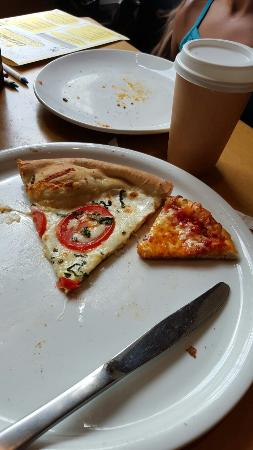 ‪California Pizza Kitchen‬