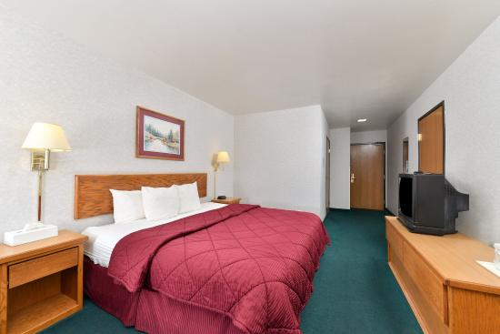 Americas Best Value Inn - Snowflake : One King Bed Accessible Guest Room