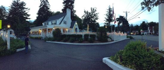 Admiral Motel: exterior evening