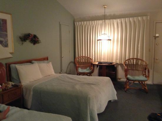 Admiral Motel : deluxe double room secod floor