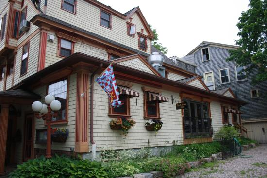 Black Friar Inn and Pub: View of the Black Friar