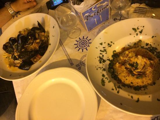 Al Delfino : La nostra cena, cocktail di gamberi e tris affumicato, cous cous di pesce e linguine allo scogli