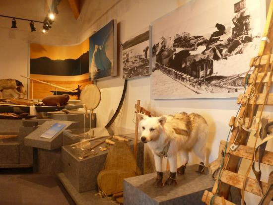 Baffin Island: Nattinnak Centre