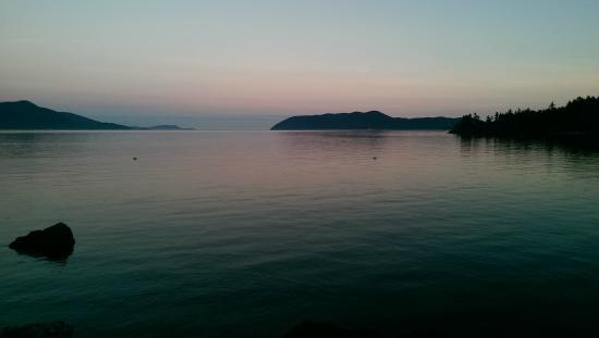 Doe Bay Resort and Retreat: Sunset
