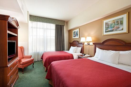 Centerstone Inn & Suites Mechanicsburg: CenterstoneInn&Suites SuiteDouble