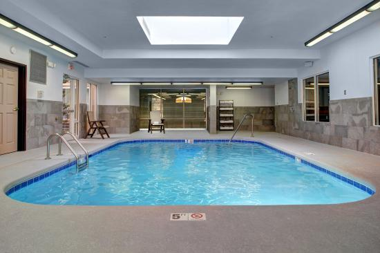Indoor salt water pool picture of country inn suites by carlson asheville downtown tunnel for Biltmore estate indoor swimming pool