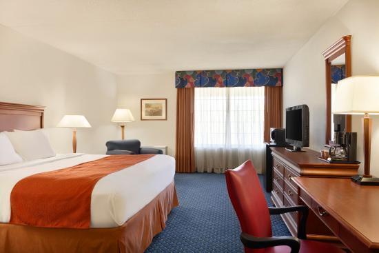 Country Inn & Suites By Carlson, Fredericksburg South (I-95) : CISFSVAStandard King