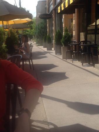 Isles Bun & Coffee Company: Sidewalk seating