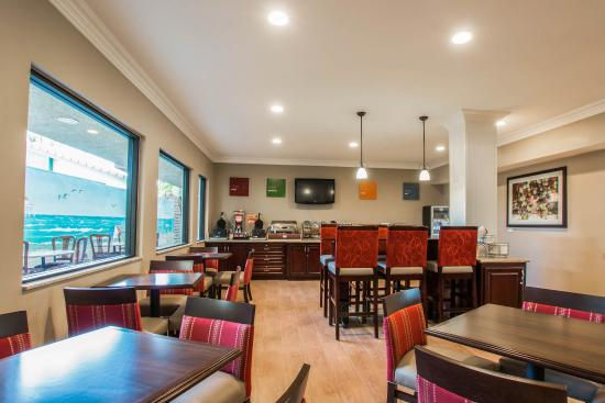 Comfort Suites Huntington Beach: Ca Bkfast