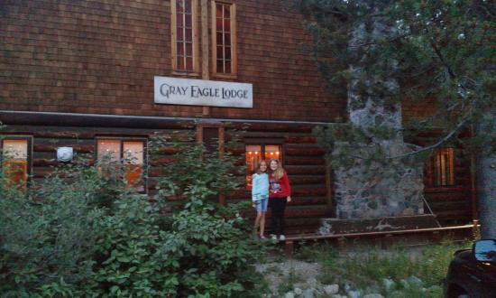Gray Eagle Lodge: Happy Girls