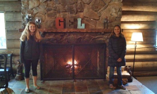 Gray Eagle Lodge: cozy Lodge