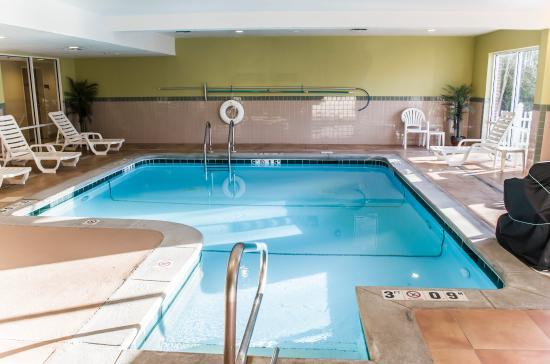 Comfort Suites Foley: ALPool