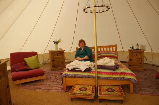 Seventh Heaven Glamping Ltd: Inside the tent