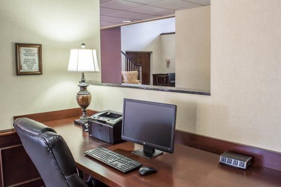 Comfort Suites Airport: NCCOMP