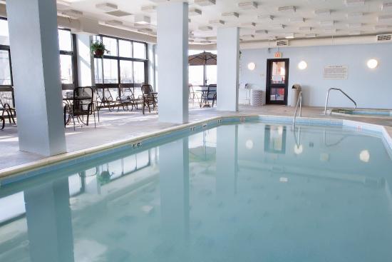 Drury Inn Terre Haute: Indoor Pool & Whirlpool