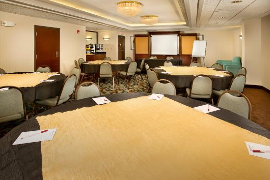Drury Inn & Suites Kansas City Stadium: Meeting Space