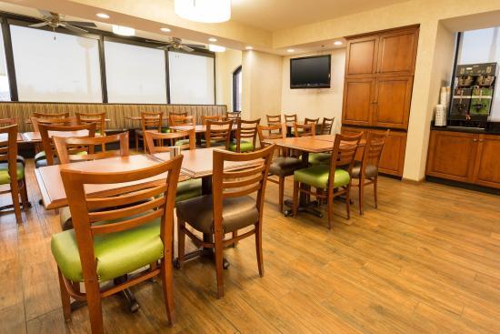 Drury Inn Marion: Dining Area