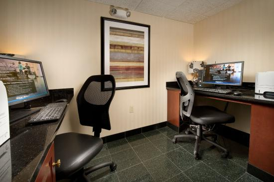 Drury Inn & Suites St. Louis Fairview Heights: 24-Hour Business Center