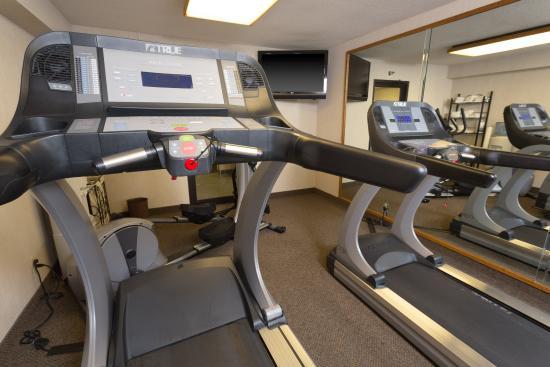 Drury Inn Poplar Bluff: 24-Hour Fitness Center