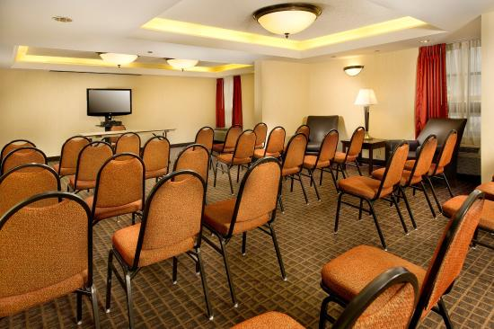 Drury Inn & Suites St. Joseph: Meeting Space