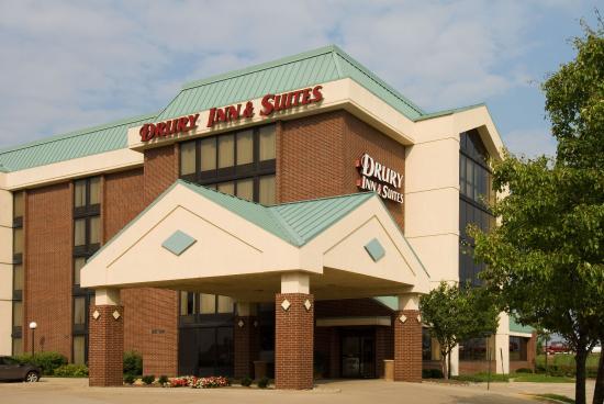 Drury Inn & Suites Springfield: Exterior