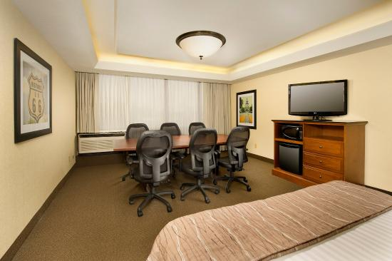 Drury Inn & Suites Springfield: Meeting Space