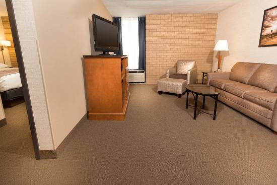 Drury Inn & Suites Champaign : Suite