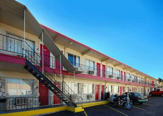 Photo of Econo Lodge Lewiston