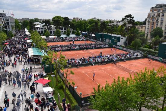 Παρίσι, Γαλλία: Red Clay courts.
