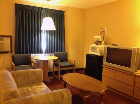 Econo Lodge of Junction City: suite