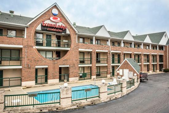 Econo Lodge & Suites Lake Norman : NCPool
