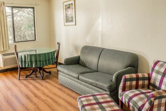 Rodeway Inn and Suites: WASNQQJ