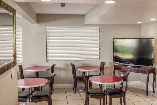 Rodeway Inn and Suites: WABKFAST