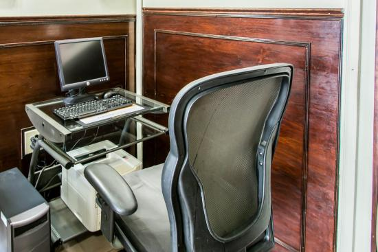 Baymont Inn & Suites : FLCOMP