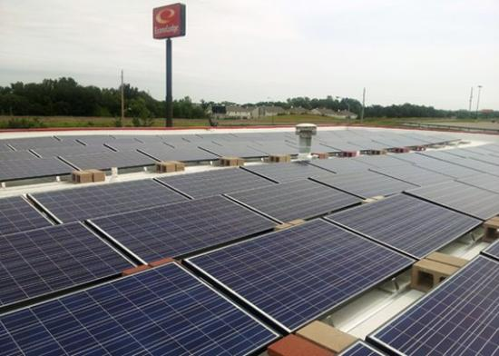Oak Grove, MO: solar panels