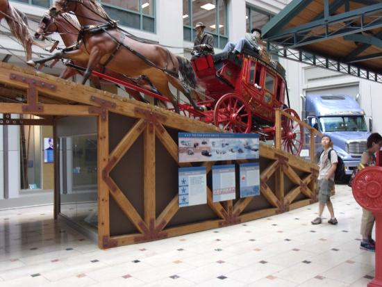 Columbia: Horse & stagcoach delivery In Postal museum