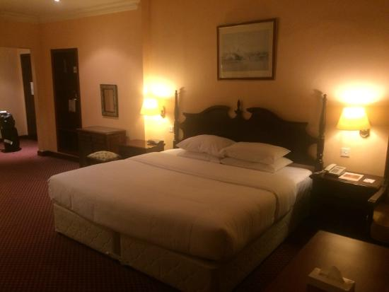 Delmon International Hotel: King Size Bed