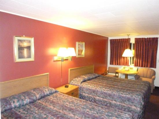 Willow Springs Motel : Guest room