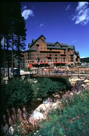 Zephyr Mountain Lodge