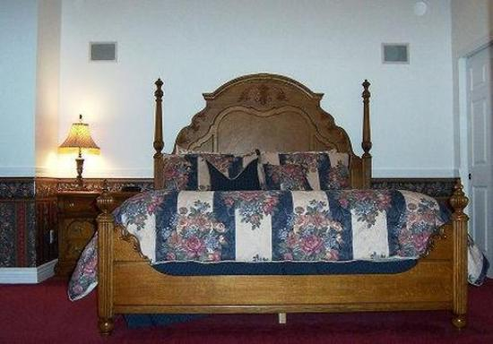 Judith Ann Inn: Elegant Suites on Second Floor