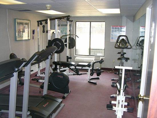 Days Inn Niantic Near Casinos: Health club