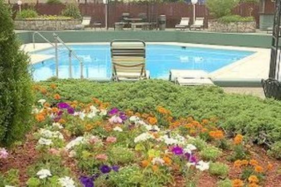 Genetti Hotel & Suites