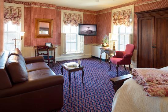 St. James Hotel: Premium Queen Guest Room